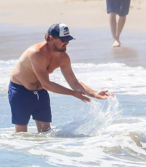 Kỳ nghỉ bất đắc dĩ kéo dài nửa năm qua vì dịch Covid-19 khiến nam diễn viên Gatsby vĩ đại mập hơn.