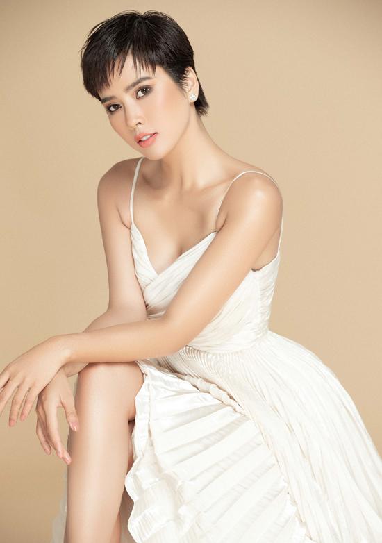 Nữ diễn viên quê Quảng Ngãi cho rằng người nghệ sĩ ngoài sắc đẹp cần có tài năng thực sự và luôn nỗ lực không ngừng để chinh phục khán giả.