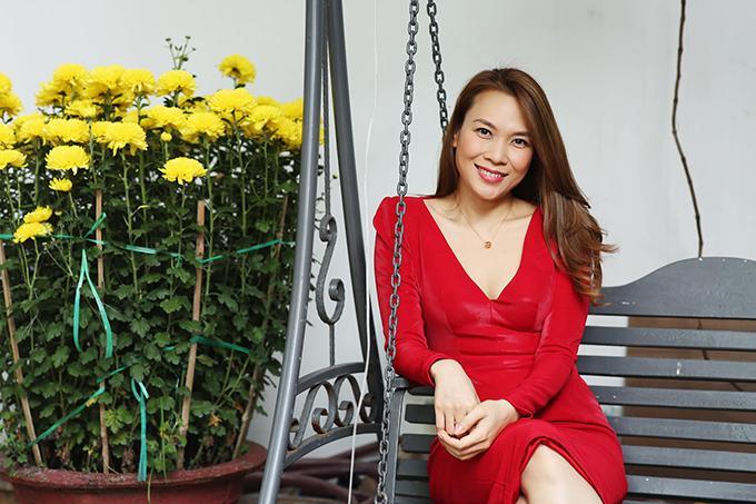 Mỹ Tâm trong vườn nhà ở Đà Nẵng Tết 2020.