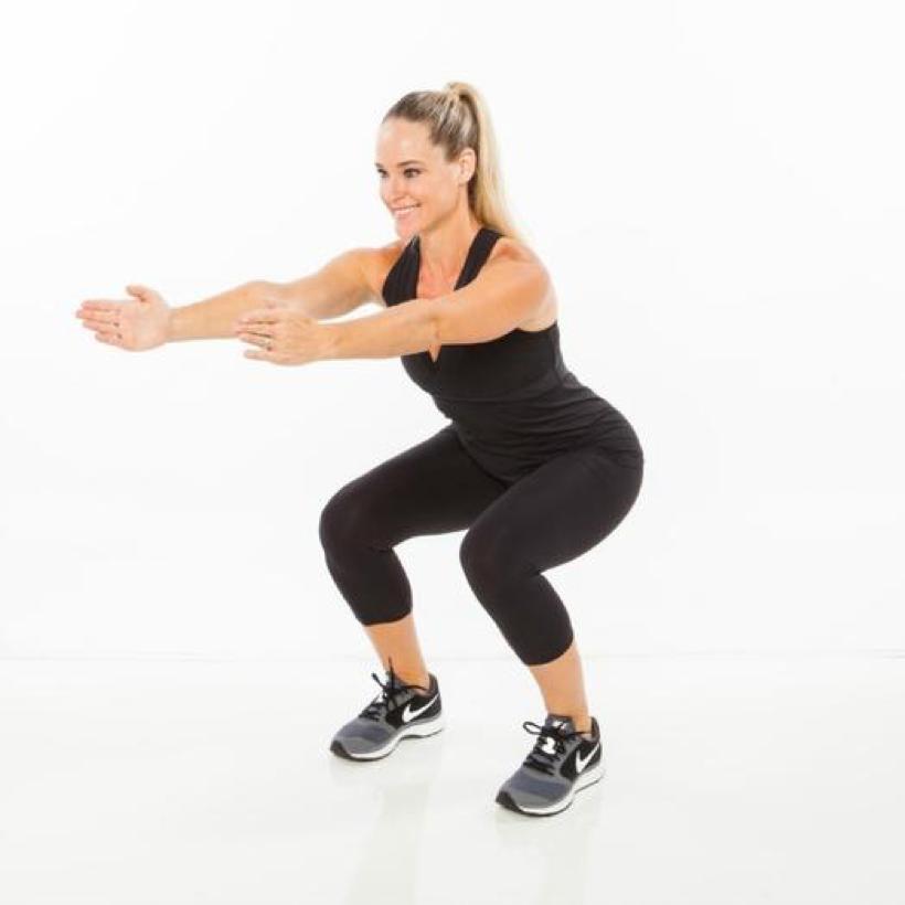 Ngoài khả năng giúp vòng ba nở nang, săn chắc, bài tập squat còn có tác dụng giảm mỡ bụng.