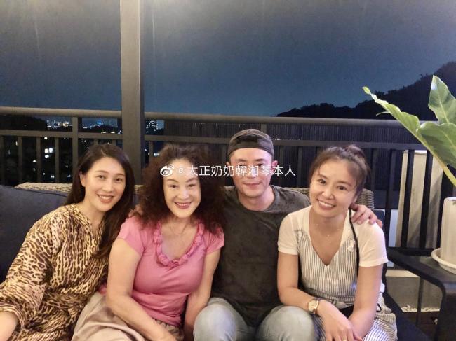Vợ chồng Lâm Tâm Như, Hoắc Kiến Hoa hội ngộ bạn bè.