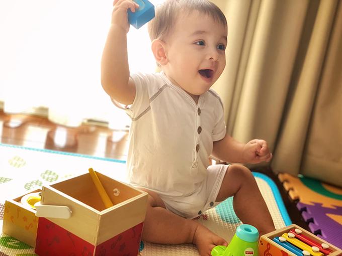 Bé Henryk, con trai Phương Mai, khi 9 tháng tuổi.