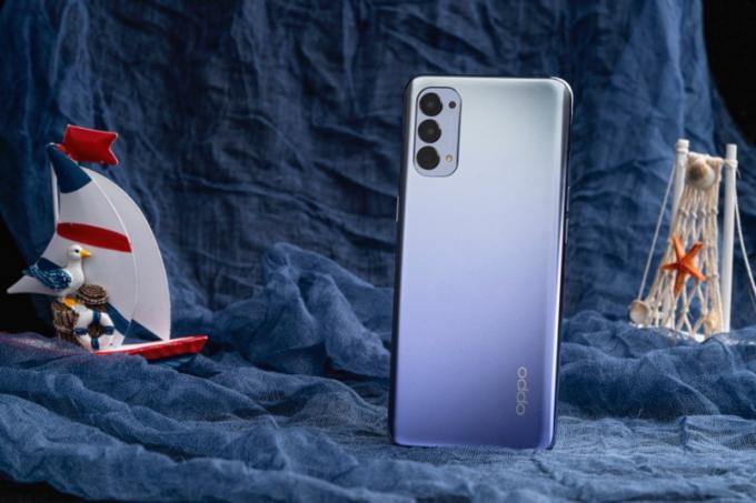 Smartphone Oppo Reno4 ra mắt phiên bản tím khói