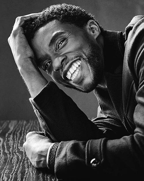 Một hình ảnh của Chadwick Boseman được chia sẻ nhiều sau khi anh mất.