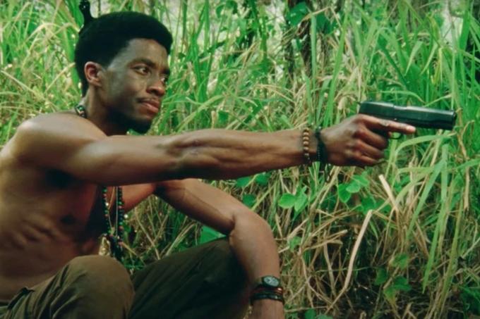 Chadwick Boseman đóng vai lính Mỹ tham chiến ở Việt Nam trong Da 5 Bloods.