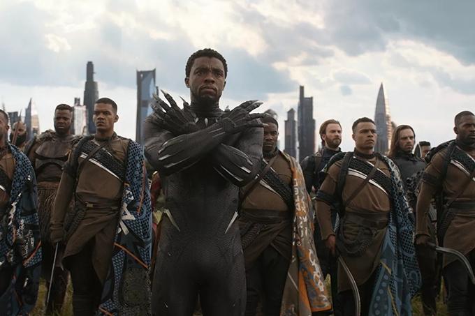 Chadwick Boseman nổi tiếng nhất với vai Black Panther.