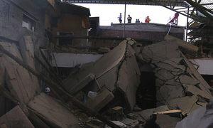 Sập nhà hàng Trung Quốc, 17 người chết