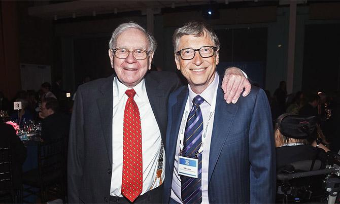 Warren Buffett và Bill Gates thân thiết nhiều thập kỷ. Ảnh: BI.