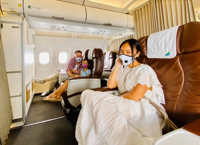 [Caption]Giữa tháng 8, cả gia đình Đoan Trang đi Phú Quốc nhân kỷ niệm 8 năm ngày cưới.