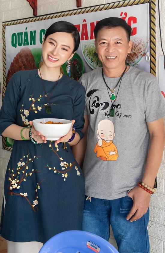 Mới đây, Angela Phương Trinh mở hai quán chay vừa đáp ứng nhu cầu ăn chay ngày càng nhiều vừa lan tỏa thông điệp tránh sát sinh động vật.