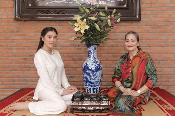 Trong mùa Vu Lan năm nay, Lý Nhã Kỳ gây bất ngờ khi xây dựng biệt phủ kiêm đền thờ gia đình ở Vũng tàu để tặng mẹ.