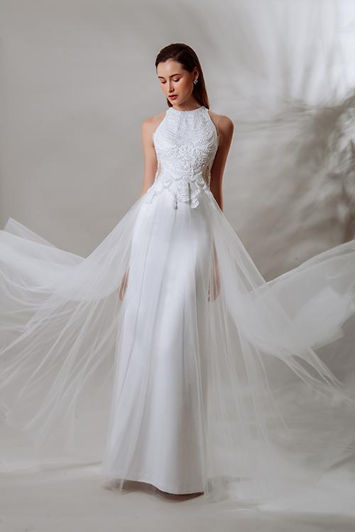 Ở bộ sưu tập váy cưới mới, Trương Thanh Hải muốn đem đến phong cách natural & chic cho cô dâu. Phong cách này được hiểu là sự kết hợp giữa những điều tự nhiên với nét đơn giản, dành cho cô dâu trẻ trung, năng động. Váy cưới của NTK vẫn mang đặc trưng là không có phom váy phồng to mà là phom dáng đơn giản, tinh tế, sang trọng từ kiểu dáng tới từng chi tiết nhỏ trên thân váy.