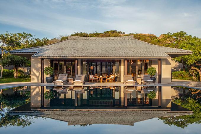 Cận cảnh căn villa của Giáng My. Giống với hầu hết các resort khác, khu nghỉ dưỡng này cũng có các hạng phòng hướng núi, hướng biển, hướng hồ bơi.