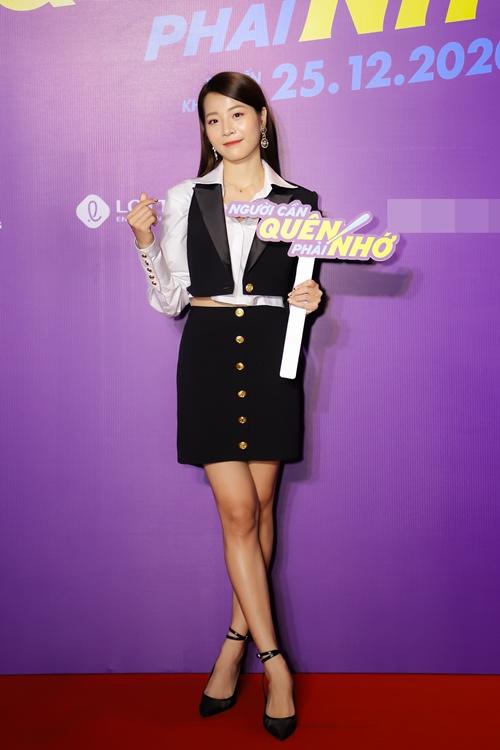 Karen Nguyễn - tiểu tam trong loạt MV đình đám của hoa hậu Hương Giang - nhận nhiều lời khen từ đạo diễn Đức Thịnh.