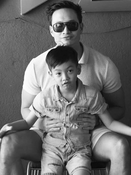 Kim Lý bắt đầu yêu Hồ Ngọc Hà vào năm 2017. Lúc này, Subeo - con trai riêng của nữ ca sĩ - khoảng 7 tuổi. Kim Lý thường xuyên gặp gỡ, quan tâm Subeo. Từ đó, hai chú cháu dần thân thiết hơn.