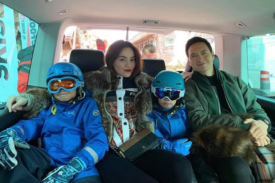 Biết Subeo (trái) thích du lịch, Kim Lý không ngại dẫn bé theo trong các chuyến đi với bạn gái Hồ Ngọc Hà. Trong ảnh là chuyến đi của cả nhà đến Pháp và Thụy Điển - quê hương của nam diễn viên Hương ga.