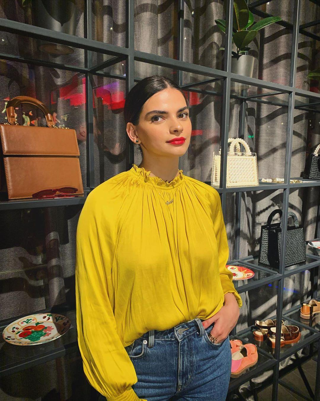 Teona hơn Kendall Jenner 5 tuôi và thấp hơn 20 cm.