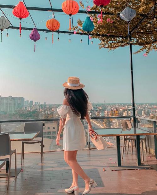 Quán bar trên cao - điểm hẹn hò của sao Việt - 20