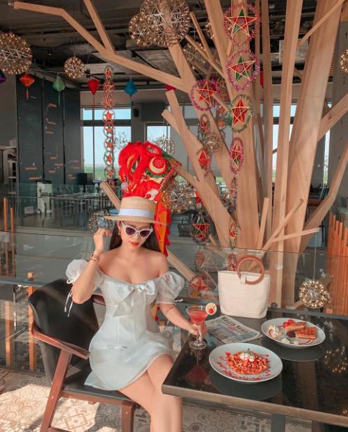 Quán bar trên cao - điểm hẹn hò của sao Việt - 16