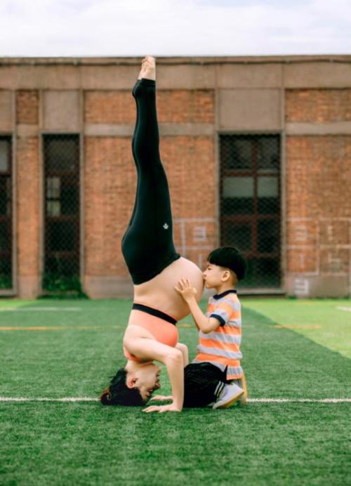 Mỹ nhân phim Nữ quyền bế bầu tập yoga - 8