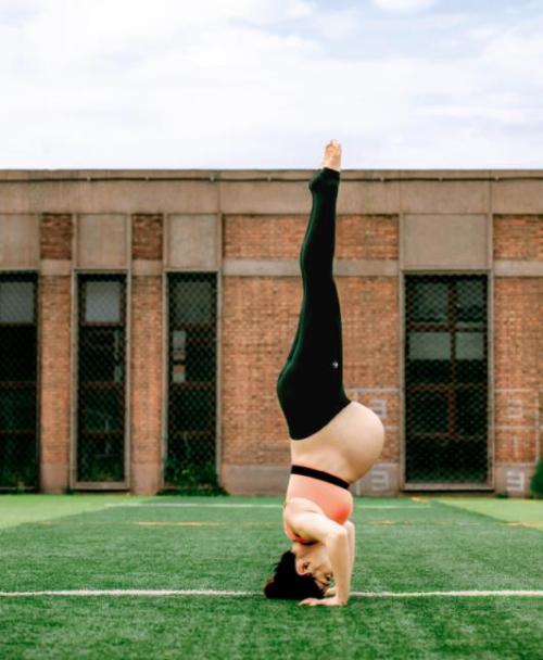 Mỹ nhân phim Nữ quyền bế bầu tập yoga - 10