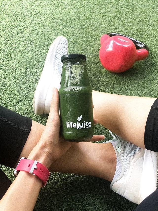 Quỳnh Giang cũng dành thời gian làm các loại nước detox từ rau xanh, củ quả để thanh lọc, giải nhiệt cho cơ thể.