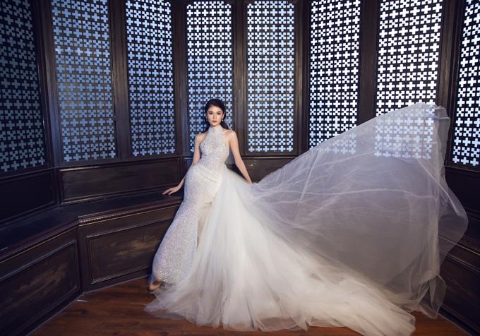 Váy cưới cách điệu từ áo yếm đem lại sự mới lạ cho thời trang cưới.