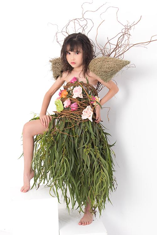 Sau thành công ở chương trình năm ngoái, fashion show với phần bố trí sàn catwal gần gũi với thiên nhiên sẽ được tổ chức vào ngày 26.09 tại Village Thảo Điền, Q2, TP HCM.