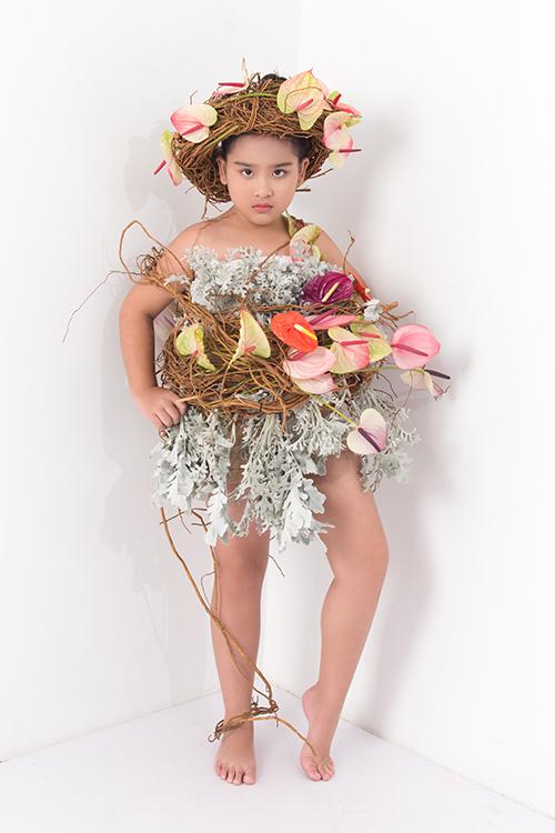 Đạo diễn Nguyễn Hưng Phúc chia sẻ, bên cạnh Asian Fashion Week, chương trình Pink Graden là sân chơi cho các bạn mẫu nhí được tổ chức vào dịp hè.
