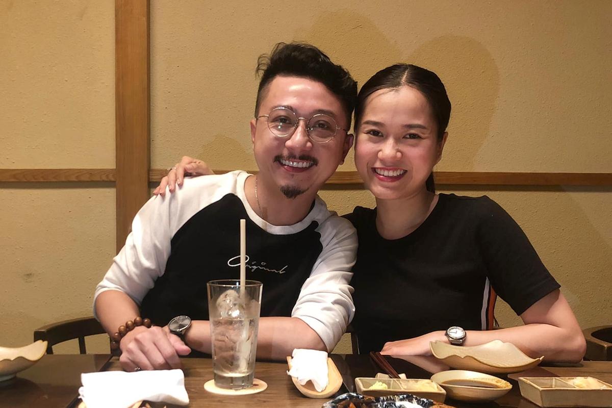 Lâm Vỹ Dạ hạnh phúc bên ông xã Hứa Minh Đạt. Họ kết hôn năm 2011, hiện có hai con trai