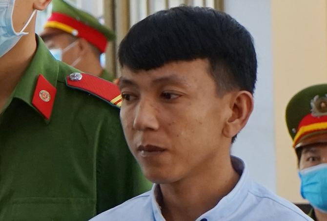 Nguyễn Cảnh Ba trong phiên tòa sơ thẩm sáng 9/9. Ảnh: Sơn Thủy.