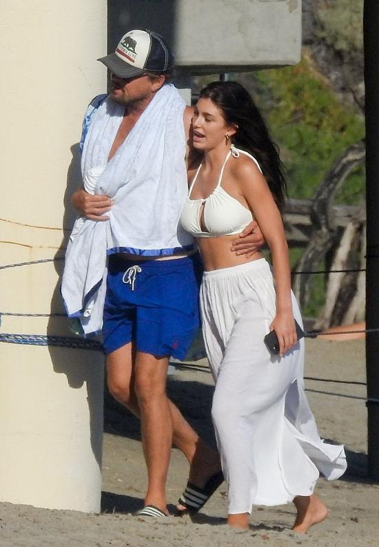 Leo và Camila trên biển Malibu ngày 7/9.