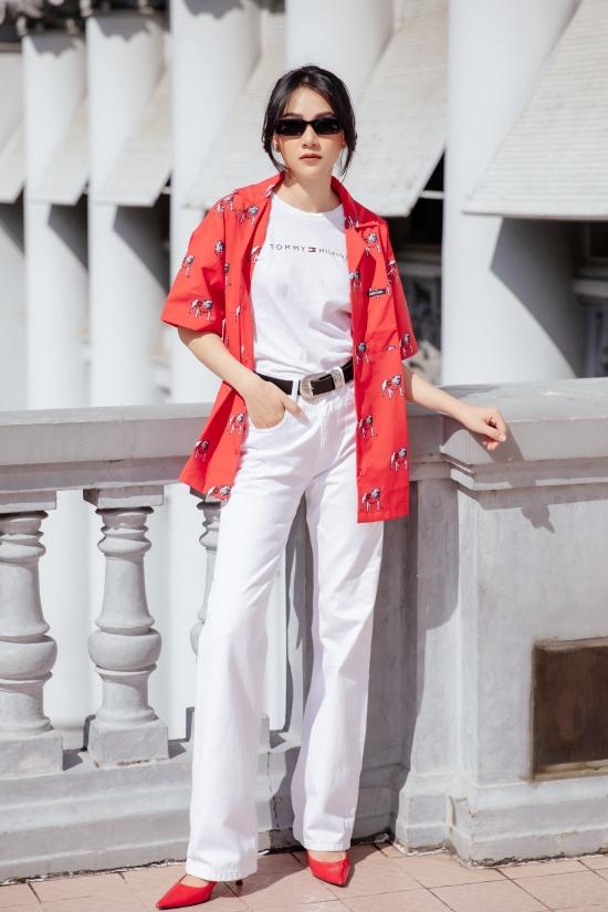 Thảo Nhi sinh năm 1987, từng chiến thắng một cuộc thi hoa khôi của một thương hiệu mỹ phẩm, từ đó làm bước đệm lấn sân người mẫu và MC. Cô hiện đắt show dẫn nhiều chương trình trên HTV: Chuyên trưa 12h, Bản tin 60 giây...