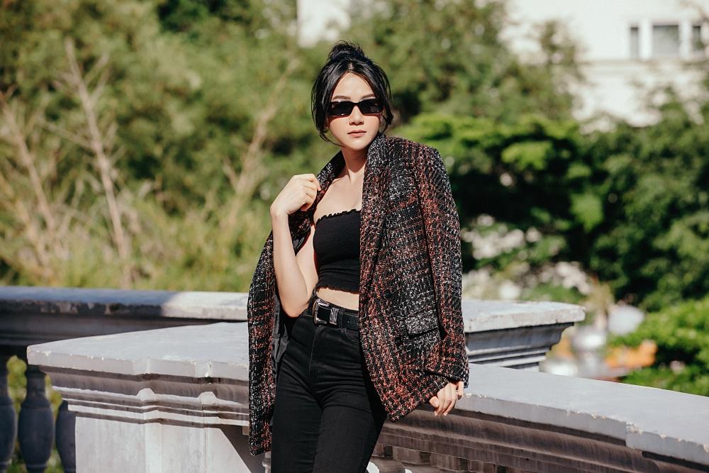 Người đẹp thường tự phối đồ, thay vì nhờ đến stylist như nhiều nghệ sĩ khác.
