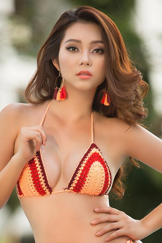 Từ khi trở thành Top 5 của cuộc thi Hoa hậu biển Việt Nam, Lâm Thu Hồng tích cực tham gia các hoạt động bảo vệ biển đảo tại Vũng Tàu quê hương mình. Ngoài làm mẫu, cô là nhân viên của một tập đoàn kinh doanh trang thiết bị y tế.
