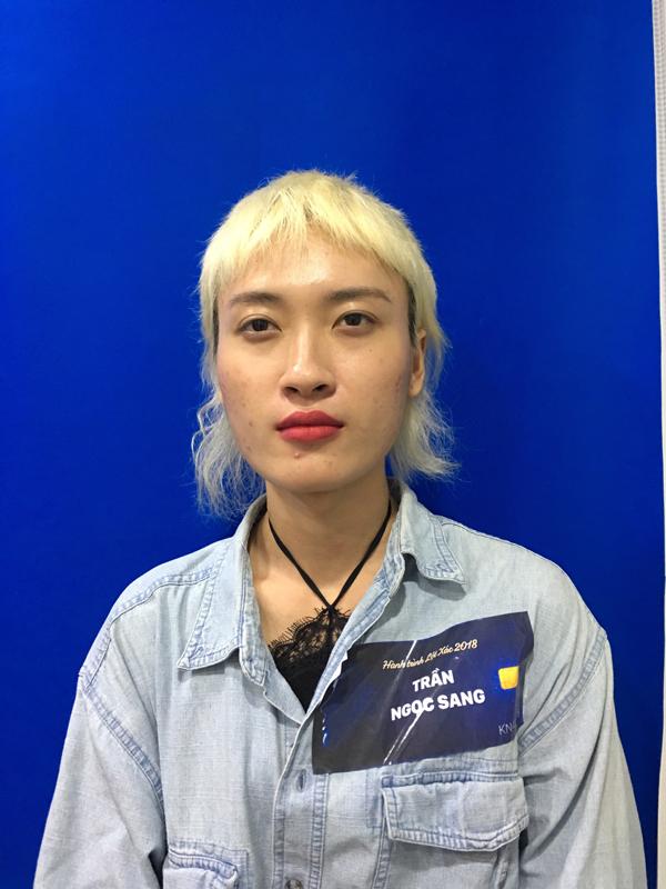 Cũng như Vũ Thị Hoa, Phan Thị May, Trần Ngọc Sang gặp nhiều khó khăn trong cuộc sống vì ngoại hình. Dù sẵn sàng sống thật với giới tính, quyết tâm theo đuổi nghề người mẫu nhưng ngoại hình khiến Trần Ngọc Sang gặp không ít rào cản.