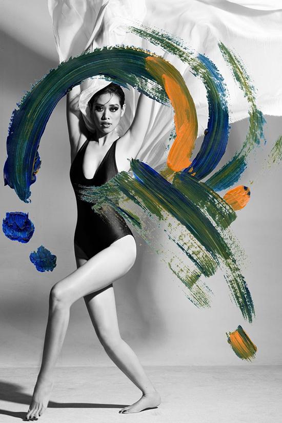 Những quệt sơn màu làm nổi bật đường cong của Hoa hậu Hoàn vũ Việt Nam 2019 một cách tinh tế.