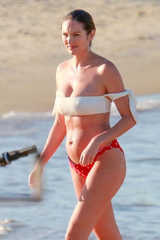Thiên thần nội y Candice Swanepoel ra biển thư giãn sau 3 tuần sinh con trai thứ hai vào năm 2018.