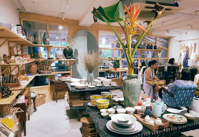 Địa chỉ cuối tuần: quán cà phê cho tín đồ mê gốm sứ