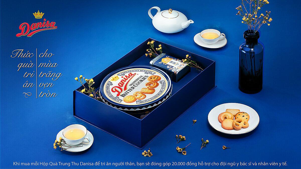 Thức quà trà - bánh thắm đượm tinh thần tri ân và sẻ chia dịp Trung thu.