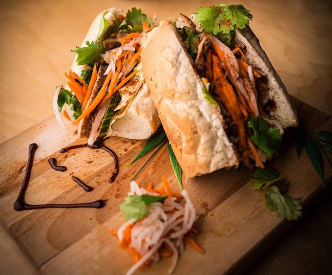 Tiệm phở Canada bị ném đá vì chế nhạo ẩm thực Việt - 4