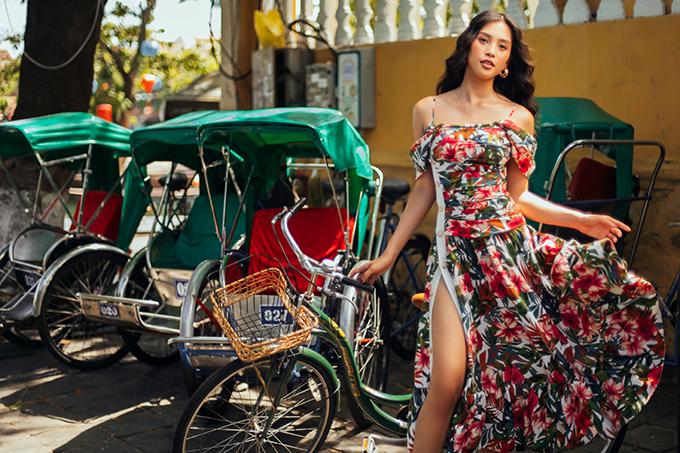 Tiếp nối trước những hình ảnh tuyệt đẹp khiến mọi người không thể rời mắt tại vịnh Vĩnh Hy, điểm dừng chân tiếp theo của hành trình Fashion Destination do nhà thiết kế Lê Thanh Hòa thực hiện là phố cổ Hội An, địa điểm mang nhiều giá trị văn hóa và hoài niệm.