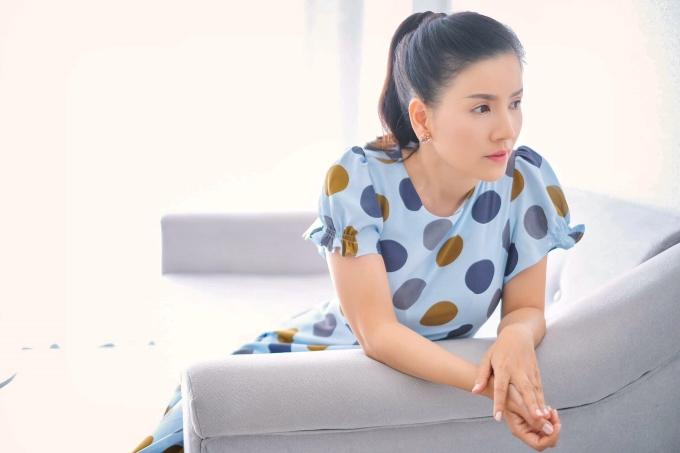 Ngọc Trinh từng mở công ty riêng và xảy ra sự cố với đơn vị cho thuê mặt bằng diễn kịch. Sau 4 năm kiện tụng tốn nhiều công sức, năm 2018, chị thắng kiện và được bồi thường. Tuy nhiên, sự việc này khiến nữ diễn viên ngần ngại chuyện quay lại làm 'bà bầu'.