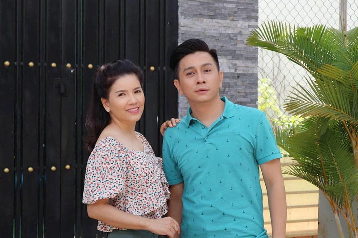 Ngọc Trinh giữ mối quan hệ thân thiết với các bạn diễn trong Mùi ngò gai, đặc biệt là diễn viên Đình Toàn (thủ vai Bảo). Cả hai cùng tham gia nhiều dự án phim ảnh và kịch nói.