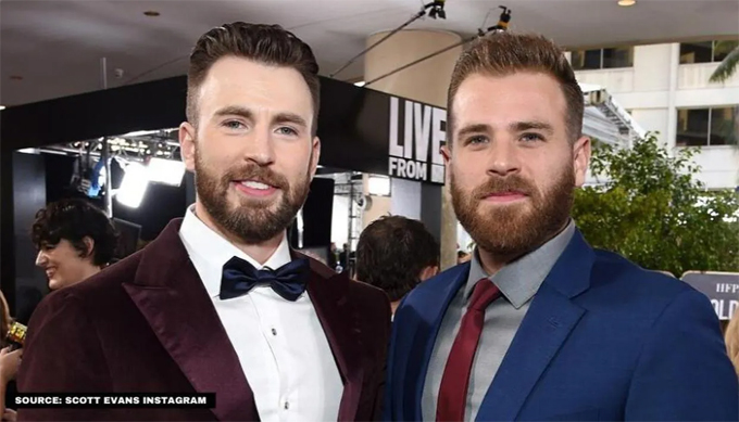 Chris Evans (trái) và em trai Scott Evans.