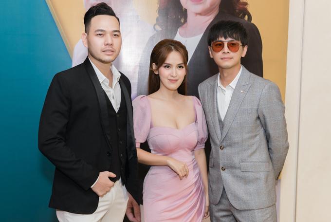 Diễn viên Thanh Hải (ngoài cùng bên trái) đóng vai người chồng đồng sàng dị mộng của Tú Vi.