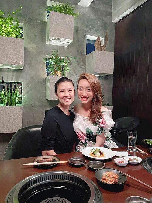 Lý Thuỳ Chang - bạn gái Chi Bảo - thân thiết với diễn viên Kim Thư.