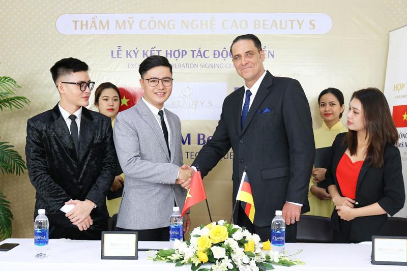Lễ ký kết chuyển giao công nghệ trị nám BeS Melas từ Đức với Thẩm mỹ công nghệ cao Beauty S.