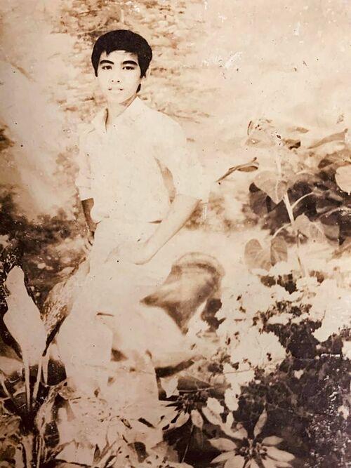 Ảnh thời ngố tàu của MC Quyền Linh.