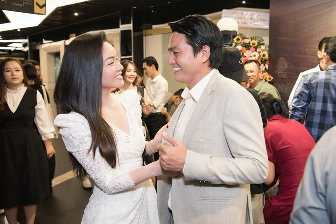 Nhật Kim Anh mừng rỡ hội ngộ Cao Minh Đạt. Nối tiếp thành công của Tiếng sét trong mưa, cặp đôi lại vào vai ông chủ - giúp việc và sau này có con với nhau.